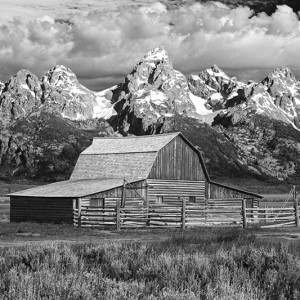 Tetons Moultan Barn BW